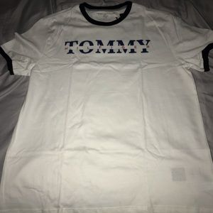 Tommy Hilfiger men's t shirt